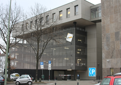 """Kundenparkhaus """"bankcarrée"""" Rückansicht"""